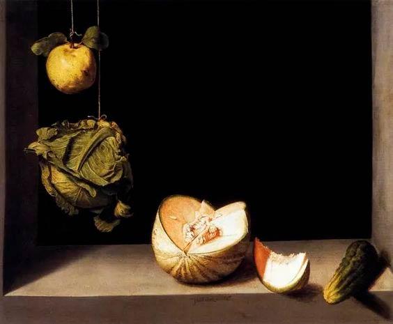 Cuadro de un bodegón de fruta con un melón troceado, un pepino, y una col y una manzana colgadas de un hilo de pescar. Poppyns Magazine